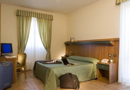 Photo 2 - Hotel Castle Rome
