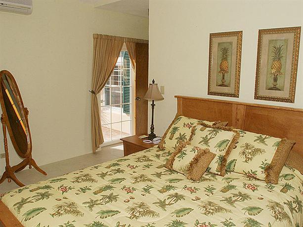 Room photo 17 from hotel Wades Garden Inn