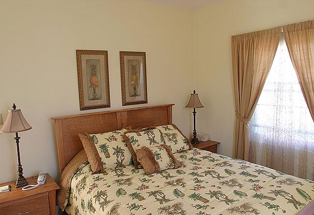 Room photo 15 from hotel Wades Garden Inn