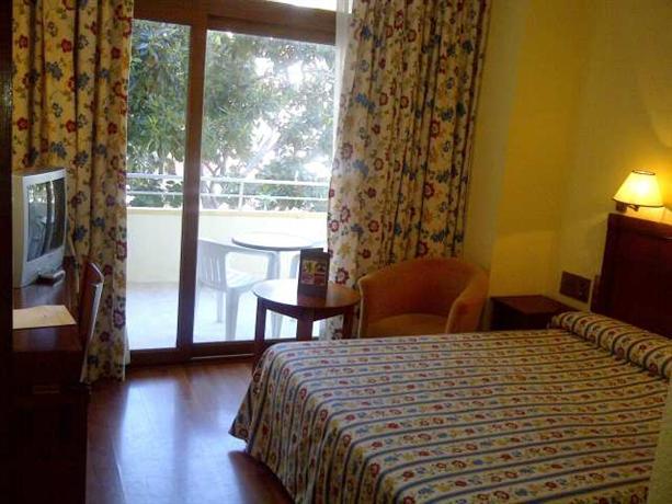Photo 1 - Blue Sea Gran Hotel Cervantes