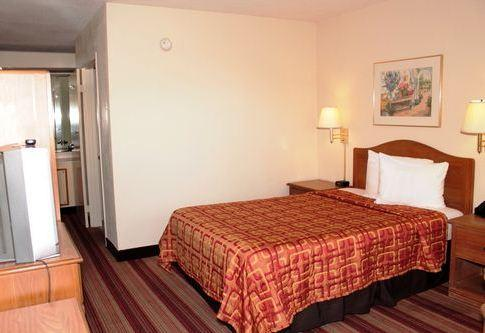 Photo 3 - Red Roof Inn Wilmington (North Carolina)