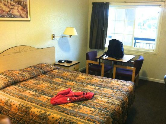 Photo 2 - Rodeway Inn West Sacramento