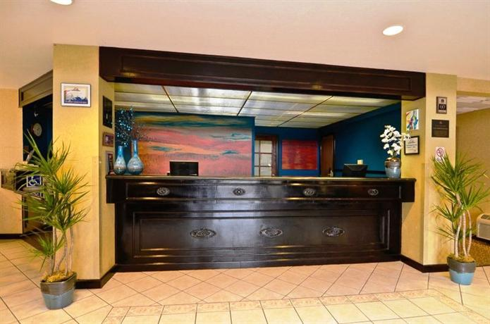 Photo 1 - BEST WESTERN Inn & Suites at Discovery Kingdom