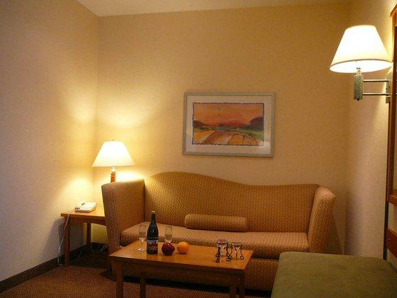 Photo 2 - Hampton Inn Suites Vacaville