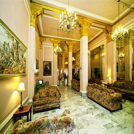 Photo 3 - Renoir Hotel