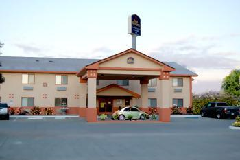 Photo 1 - BEST WESTERN Plus Hilltop Inn