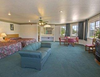 Photo 2 - Travelodge Merced Yosemite