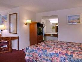 Photo 1 - Days Inn South Fresno (California)