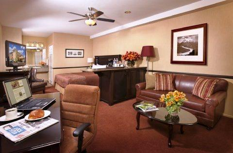 Photo 3 - Ayres Suites Corona West