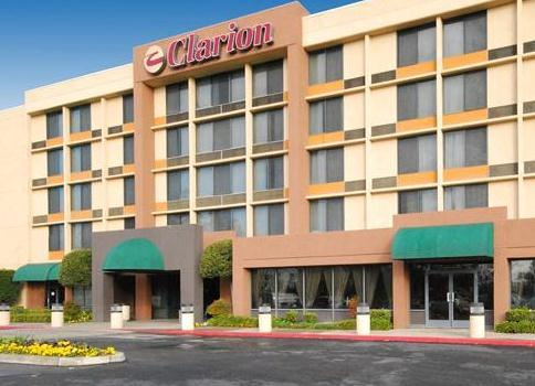 Photo 2 - Clarion Hotel Bakersfield