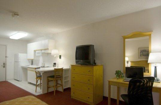 Photo 2 - Homestead Studio Suites Lombard/Oak Brook
