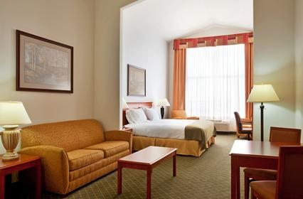 Photo 1 - Holiday Inn Express Hotel & Suites Rockford Loves Park
