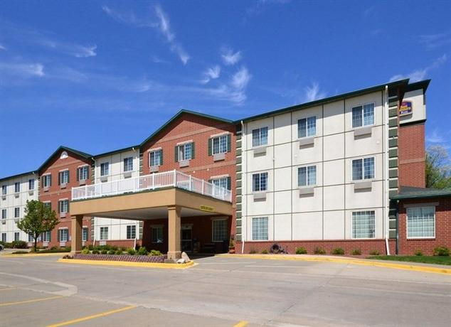 Photo 2 - BEST WESTERN Clive Inn and Suites