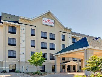 Photo 1 - Hawthorn Suites by Wyndham Cedar Rapids