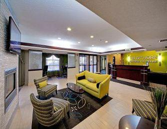 Photo 2 - Hawthorn Suites by Wyndham Cedar Rapids