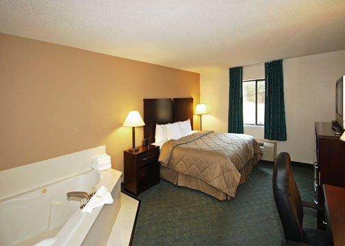 Photo 2 - Comfort Inn & Suites Robins Air Force Base Warner Robins