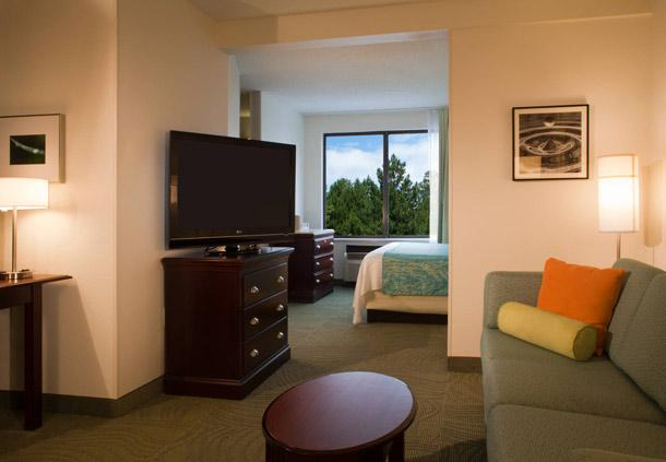 Photo 3 - Hilton Garden Inn Cleveland Airport