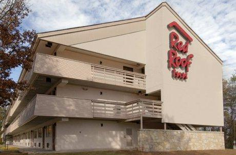 Photo 1 - Red Roof Inn Buckhead Atlanta