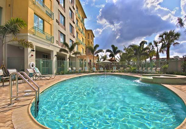 Photo 3 - Courtyard Hotel Fort Lauderdale Miramar