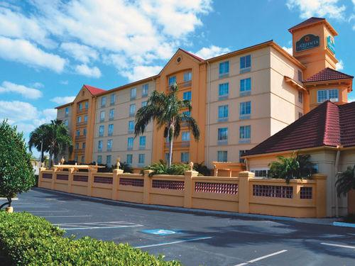 Photo 1 - La Quinta Inn and Suites Lakeland