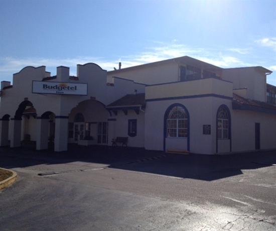Photo 1 - Budgetel Inn