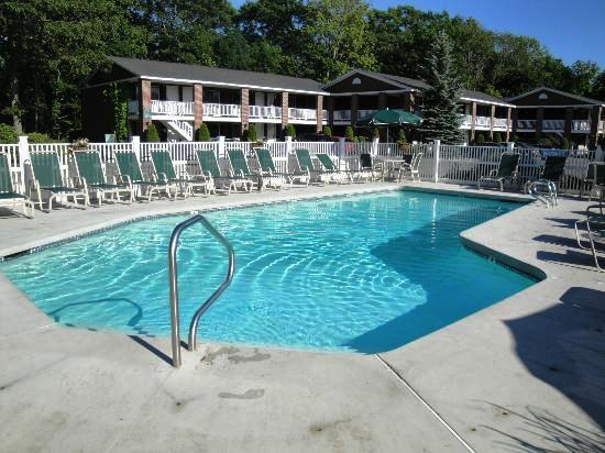 Juniper Hill Inn Maine | Travel Guide