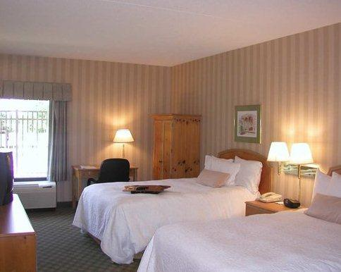 Photo 2 - Hampton Inn Hagerstown