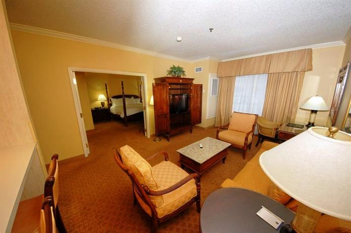 Photo 1 - BEST WESTERN PLUS Richmond Inn & Suites