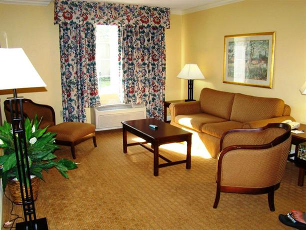 Photo 3 - BEST WESTERN PLUS Richmond Inn & Suites