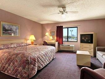 Photo 3 - Baymont Inn & Suites Paducah