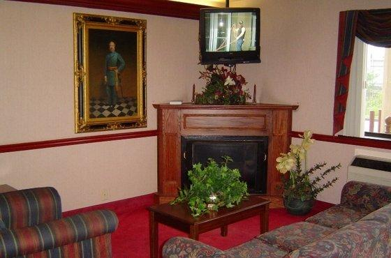 Photo 1 - Country Hearth Inn Harrodsburg
