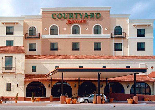 Photo 2 - Courtyard by Marriott - Wichita at Old Town