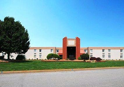 Photo 1 - Quality Inn South Wichita