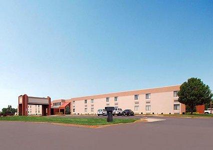 Photo 3 - Quality Inn South Wichita