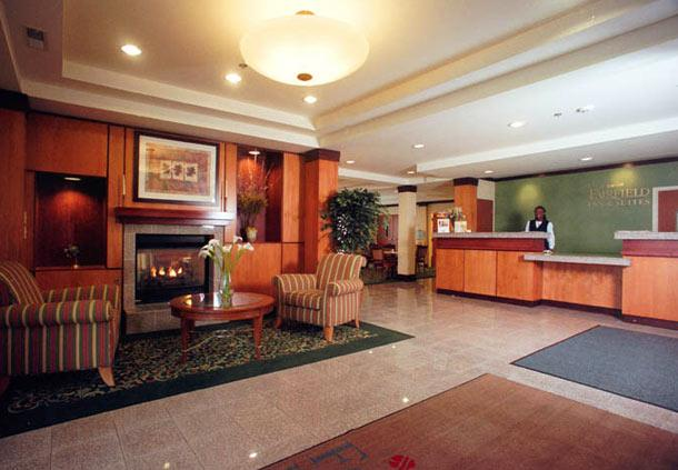 Photo 2 - Fairfield Inn & Suites Indianapolis East