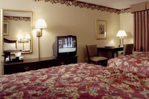 Photo 1 - Country Inn & Suites Indianapolis Airport South