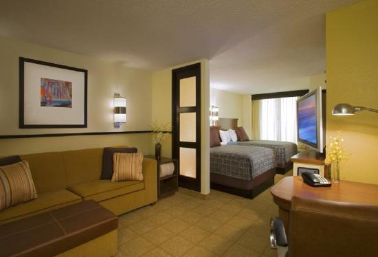 Photo 1 - Hyatt Place Indianapolis Airport