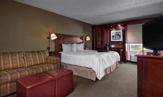 Photo 3 - Hampton Inn Des Moines-West