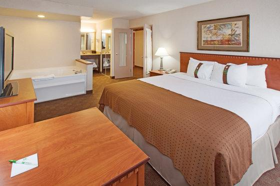 Photo 2 - Holiday Inn Hotel & Suites Des Moines - Northwest