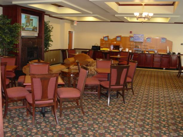 Photo 2 - Holiday Inn Express Hotel and Suites Ankeny