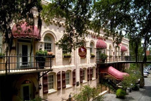 Photo 1 - Olde Harbour Inn