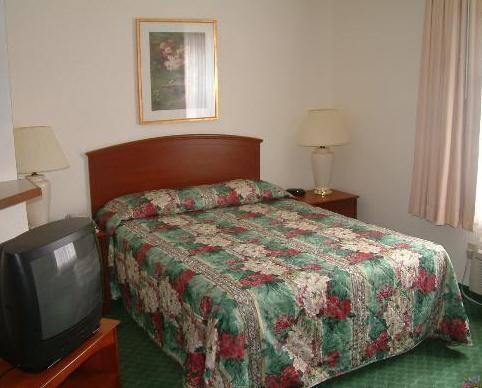 Photo 3 - TownePlace Suites Savannah Midtown