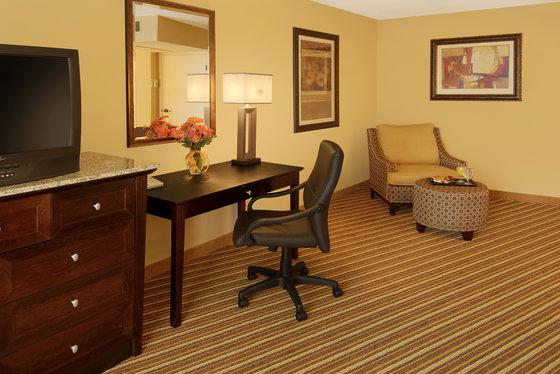 Photo 2 - DoubleTree Suites by Hilton