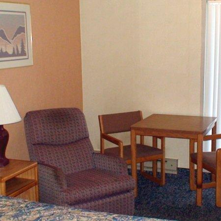 Photo 2 - Budget Inn Express Bismarck