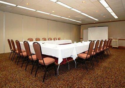 Photo 2 - Sundance Plaza Hotel & Suites