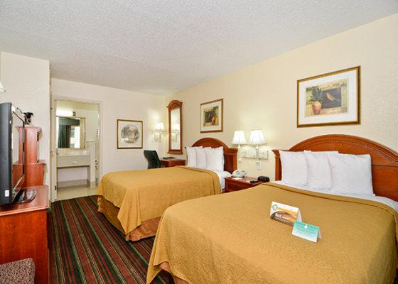 Photo 2 - Quality Inn & Suites Biltmore East