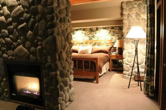 Photo 3 - River Rock Lodge