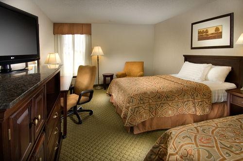 Photo 2 - Drury Inn & Suites Westport-St. Louis