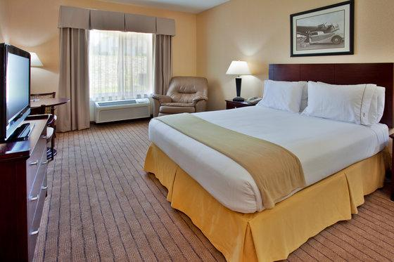 Photo 3 - Holiday Inn Express Hotel & Suites Hannibal