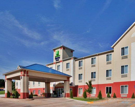 Photo 1 - Holiday Inn Express Hotel & Suites Hannibal
